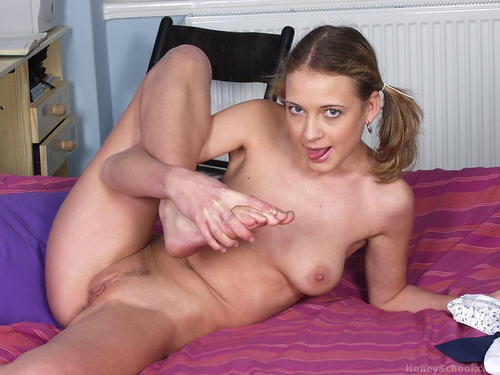 Horny girl on girl